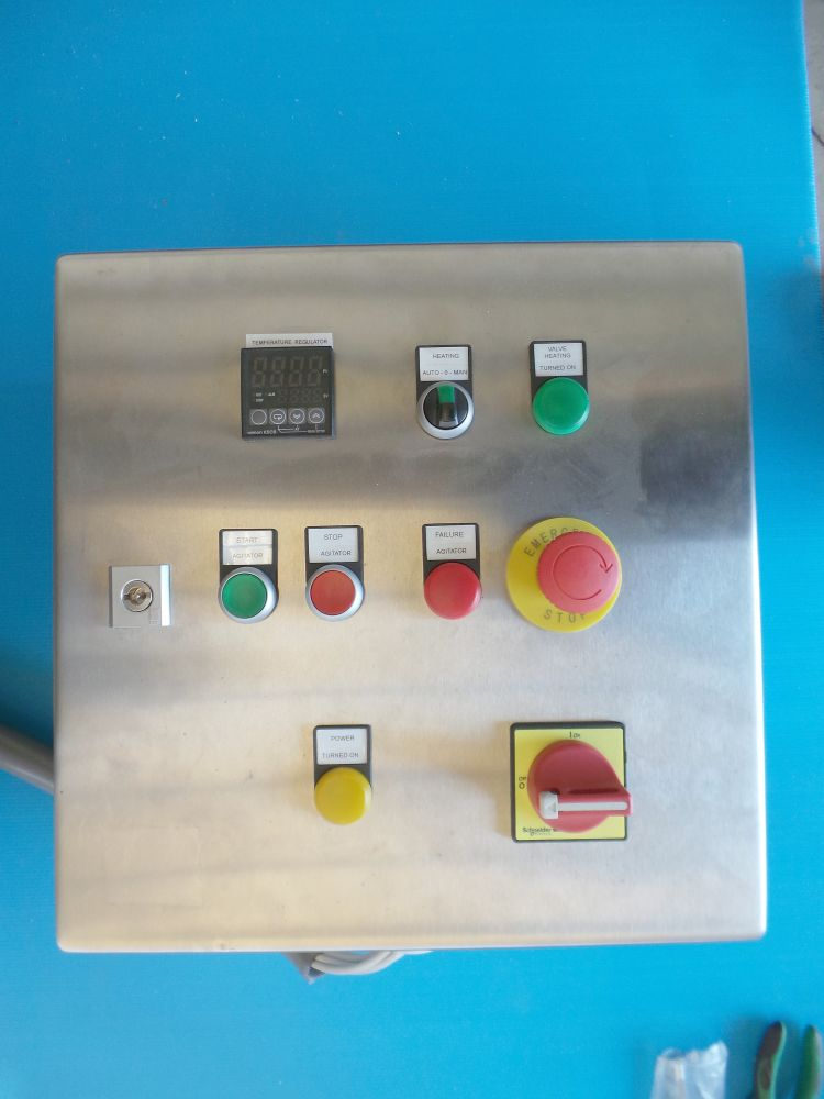 Control panel (St-St) - Omron temperature regulator - Allen Bradley magnetic switches - CP9648H4